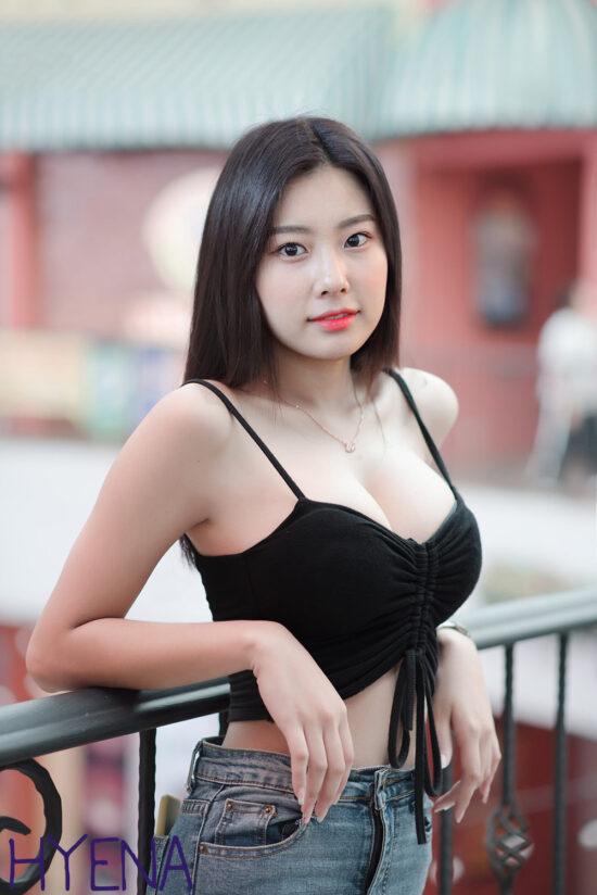 Kang Hyewon nude fake